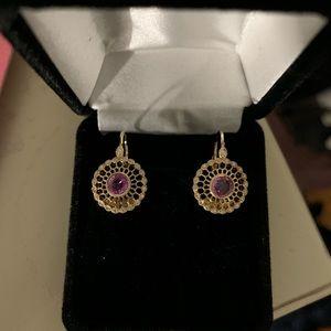 Jewelry - Pretty gold earrings